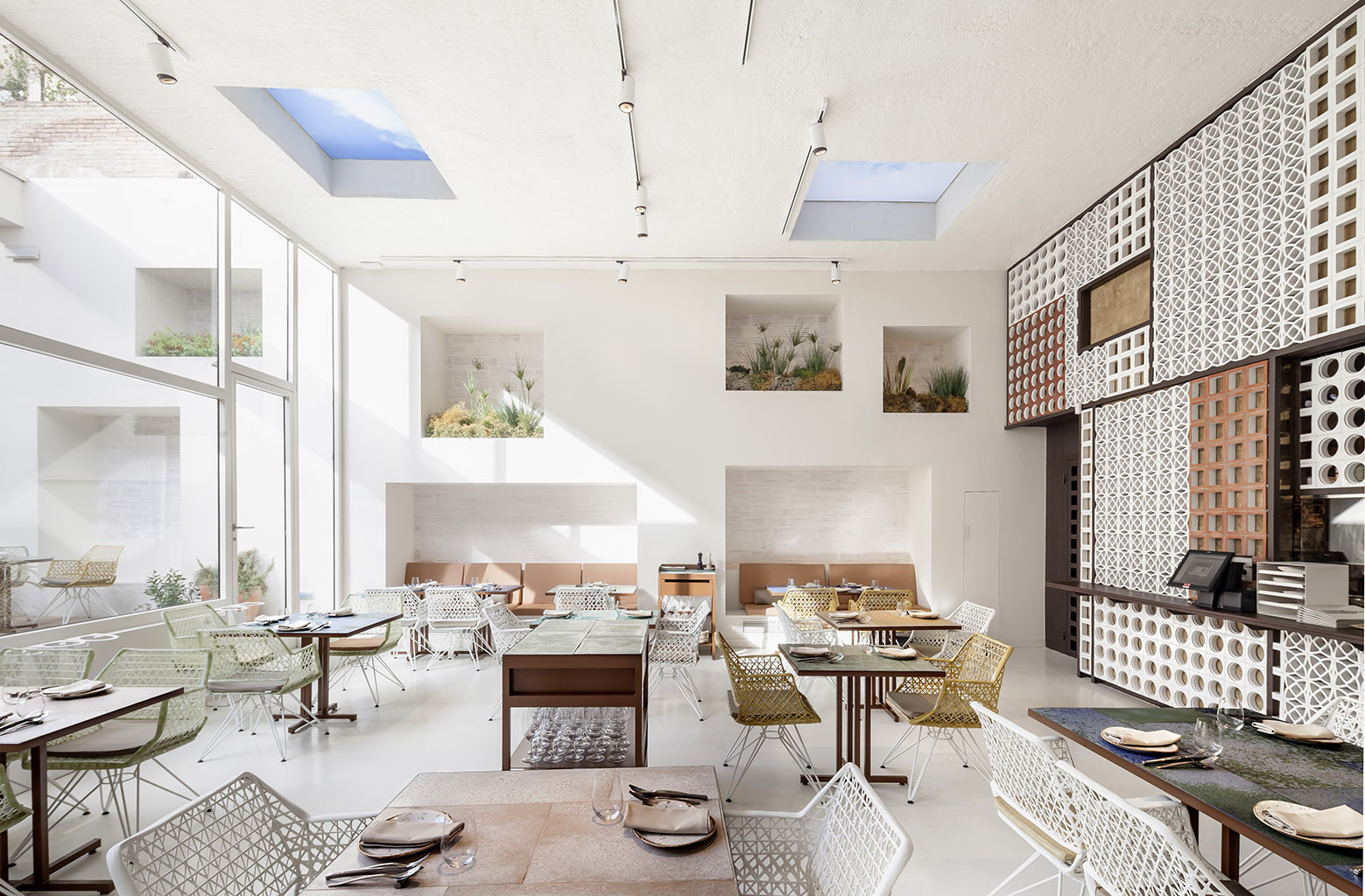Galeria de restaurante disfrutar el equipo creativo 9 for Equipos restaurante