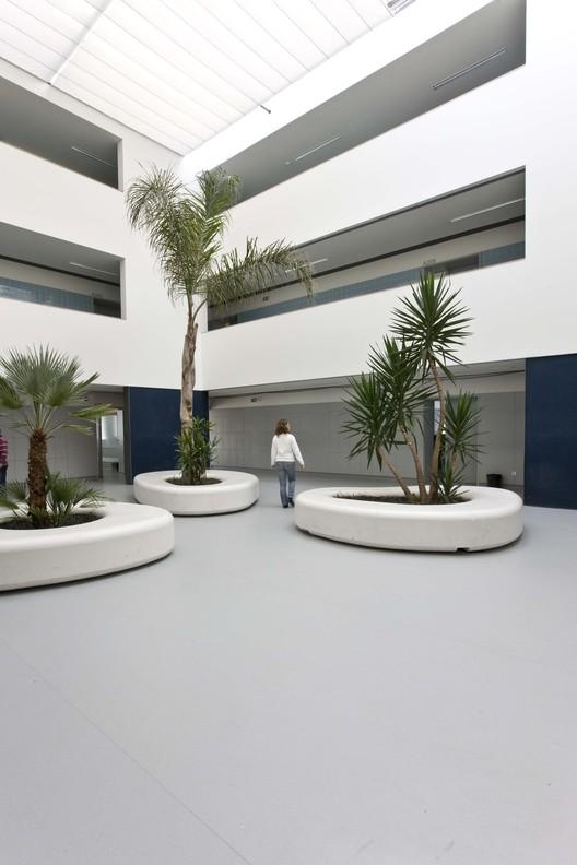 José Macedo Fragateiro Secondary School / Atelier d'Arquitectura J. A. Lopes da Costa, © Manuel Aguiar