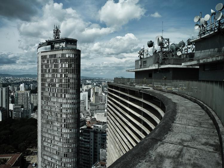 São Paulo receberá grandes eventos de arquitetura em 2016, Edifíco Itália e Copan, São Paulo. © Felipe Lange Borges, via Flickr. CC. Used under <a href='https://creativecommons.org/licenses/by-sa/2.0/'>Creative Commons</a>