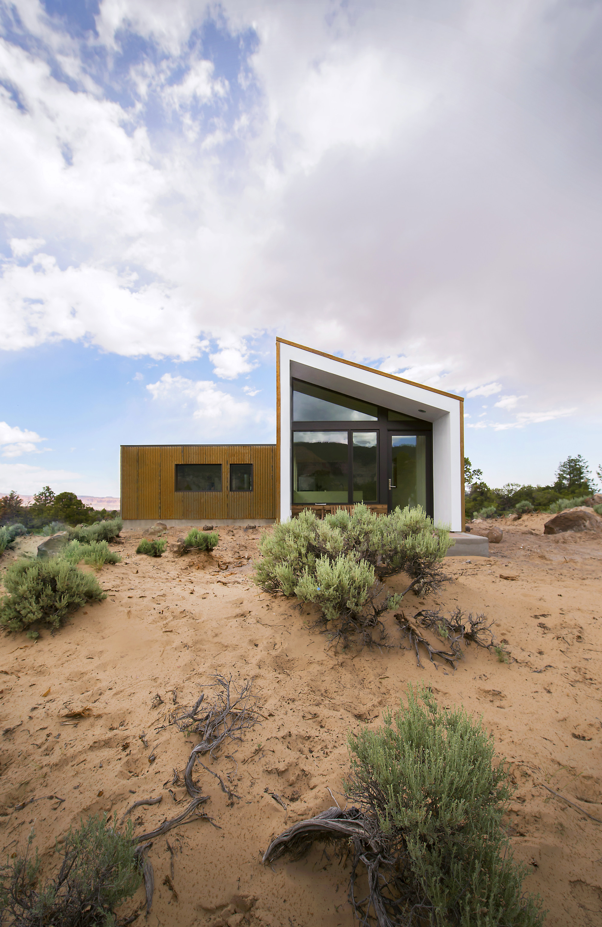 Gallery of capitol reef desert dwelling imbue design 2 for Utah home design architects