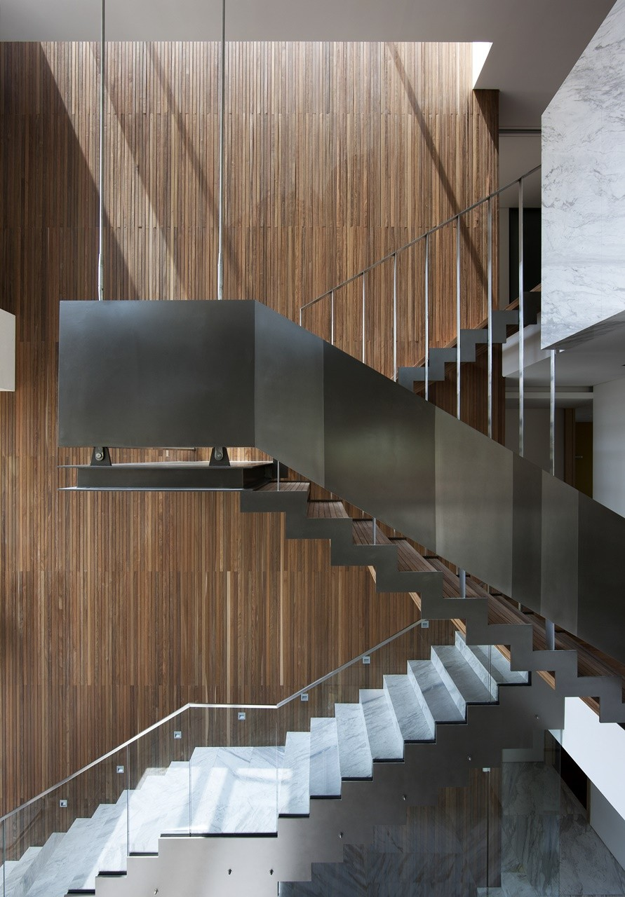 Gallery of customi zip l 39 eau design 10 for Lloyds architecture planning interiors