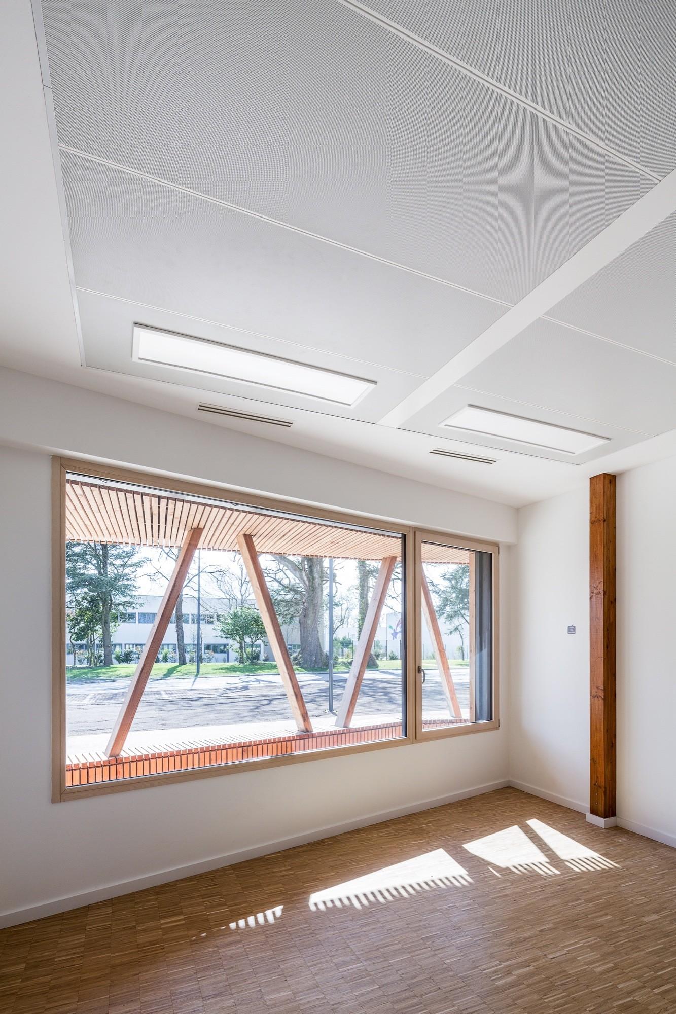 gallery of ecopole eno architectes 18. Black Bedroom Furniture Sets. Home Design Ideas