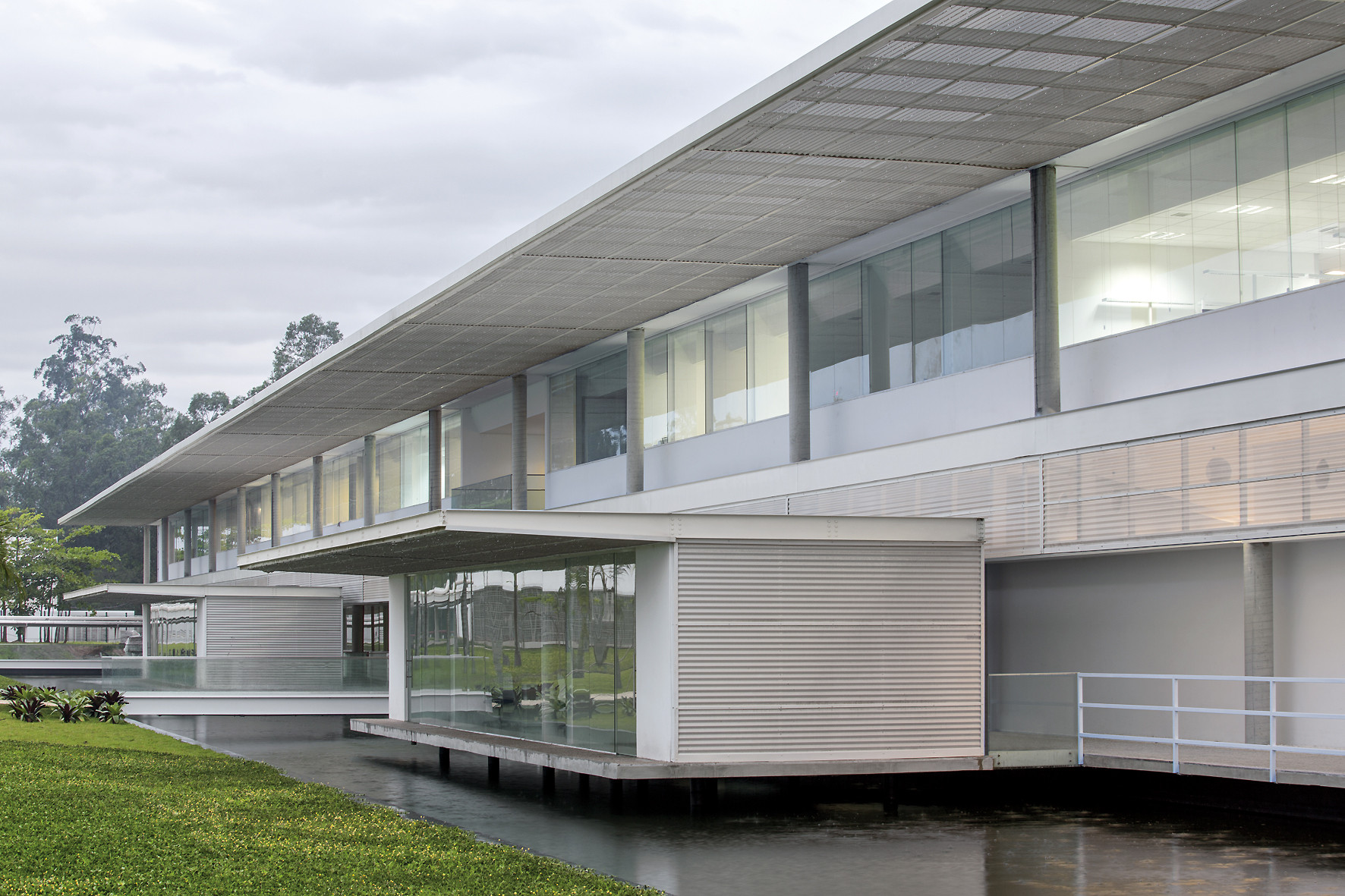 SICPA – Fábrica de Tintas y Sistemas de Seguridad / LoebCapote Arquitetura e Urbanismo , © Leonardo Finotti