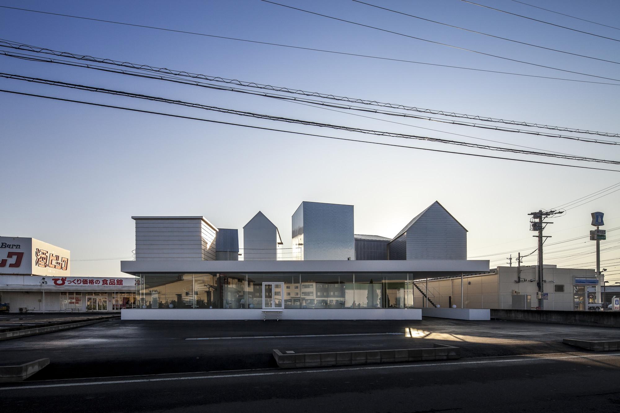Billboard / +S/Shintaro Matsushita+Takashi Suzuki + knit/Naohito Ikuta, © Hiroyuki Hirai