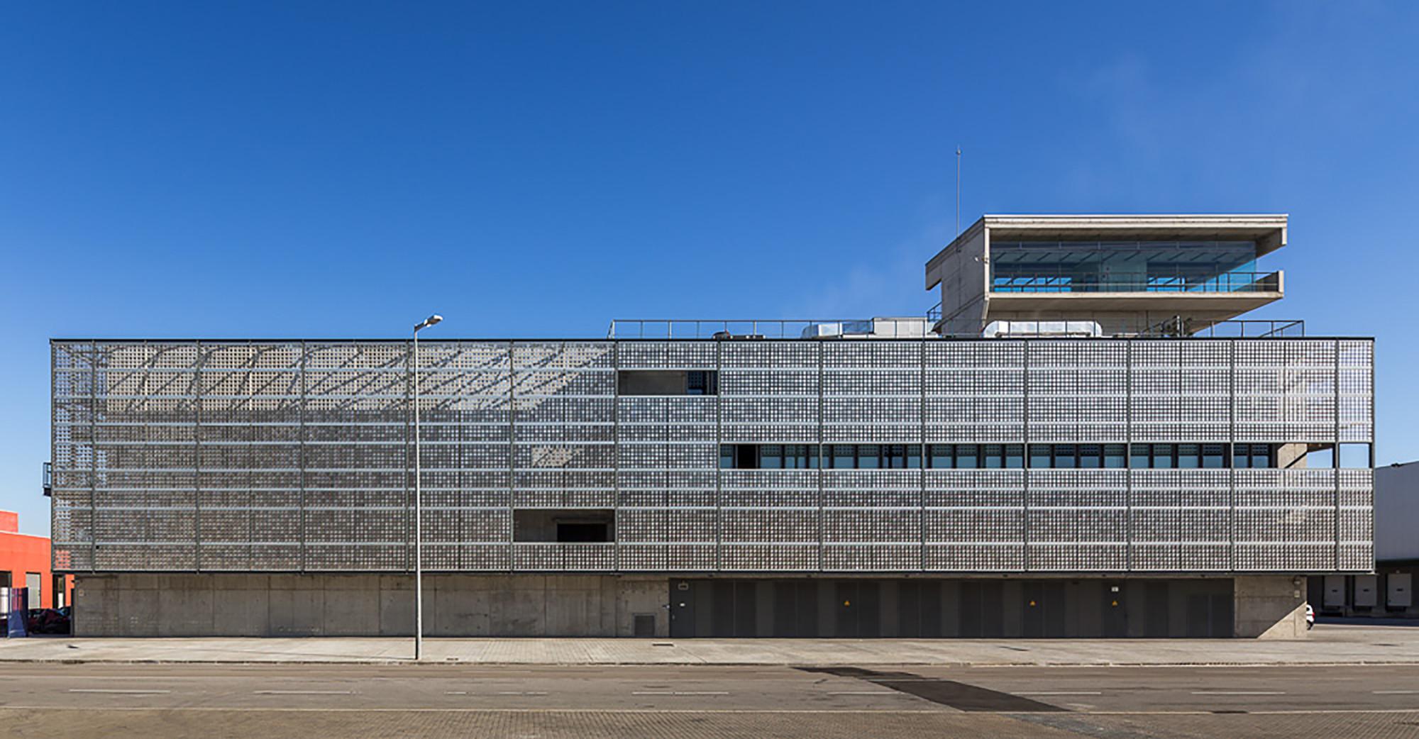 Barcelona Sur Power Generation Plant  / Forgas Arquitectes, © Simón García
