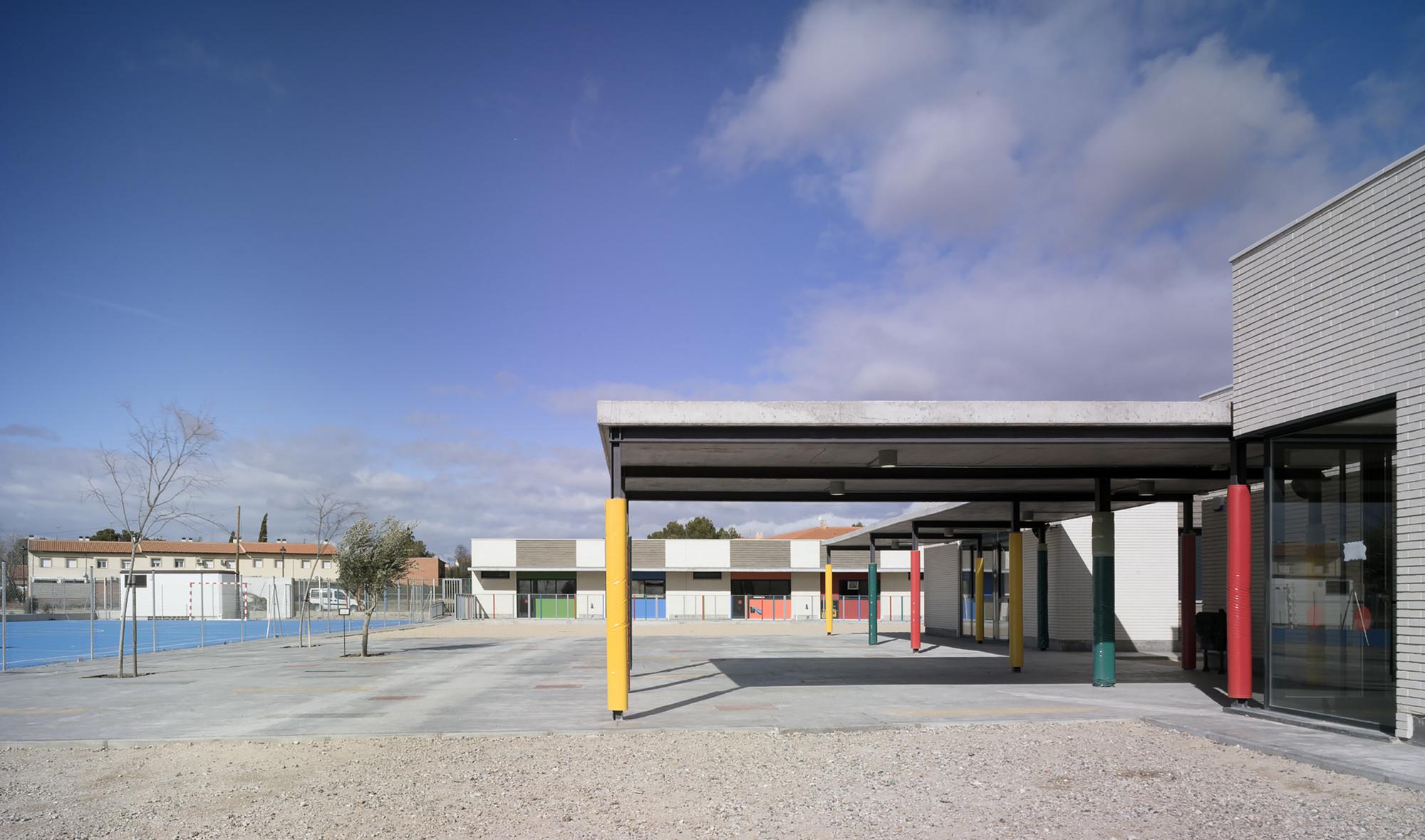 Colegio p blico municipio de ciruelos milano rugnon arquitectos plataforma arquitectura - Colegio arquitectos toledo ...