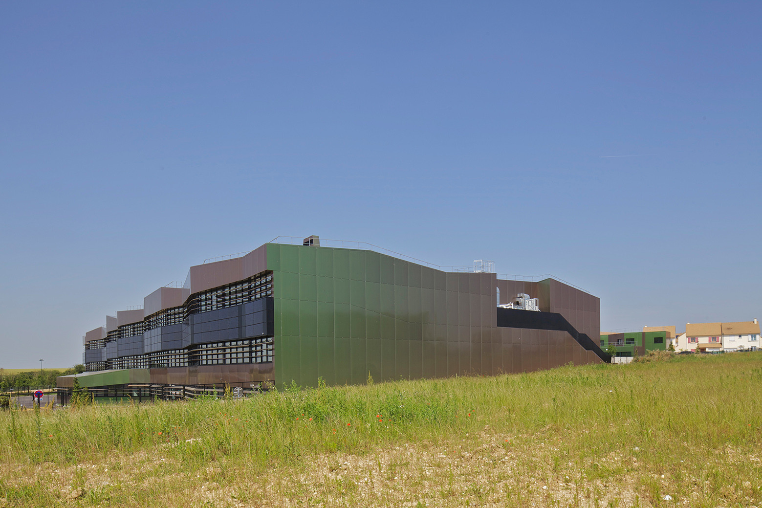 Lycée Neslon Mandela Secondary School / Philippe Gazeau, © Philippe Ruault