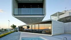 Crossed House / Clavel Arquitectos