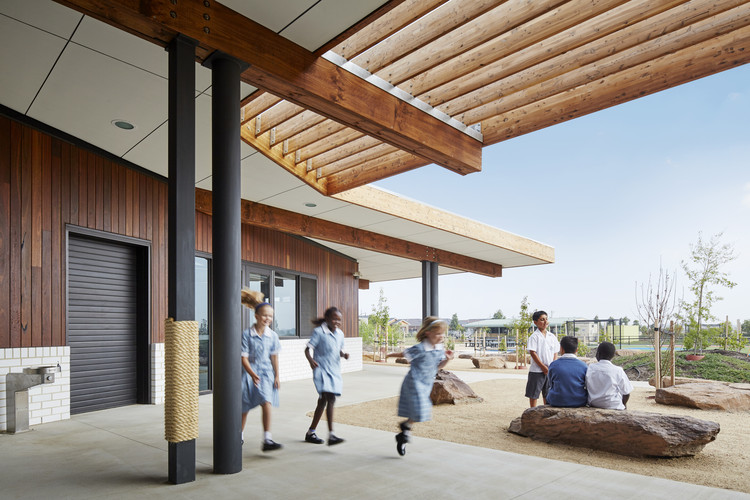 St John the Apostle Primary School / Baldasso Cortese Architects, © Peter Clarke