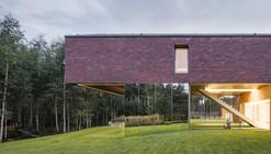 Casa Estar-Jardin en Katowice / KWK Promes