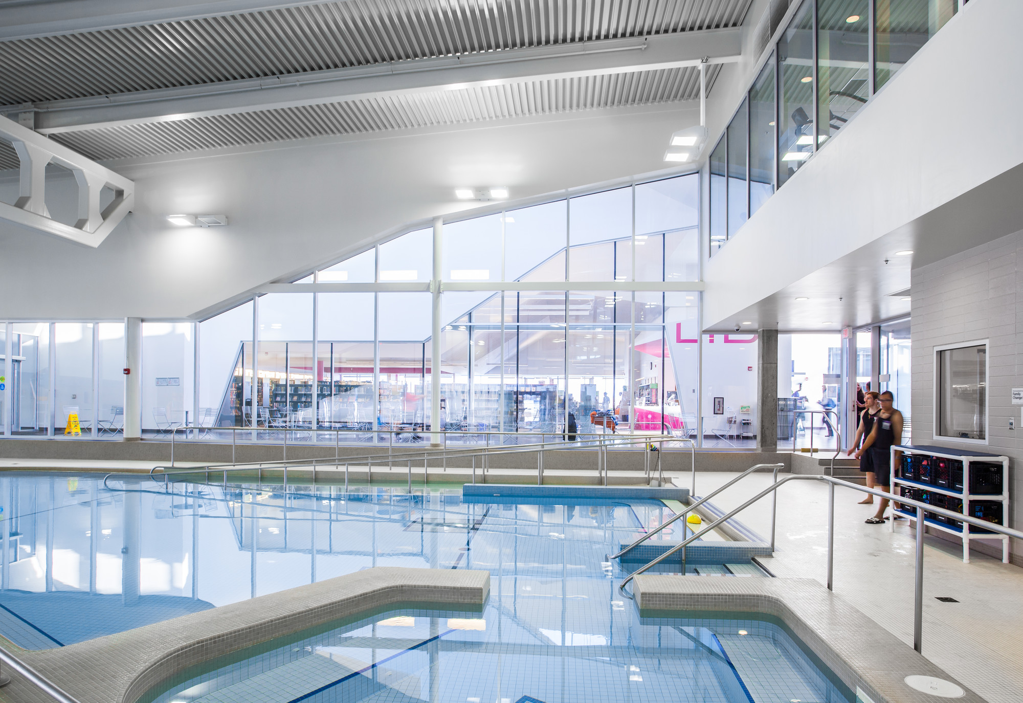 John m harper branch library stork family ymca teeple architects archdaily for Waterloo rec centre swimming pool