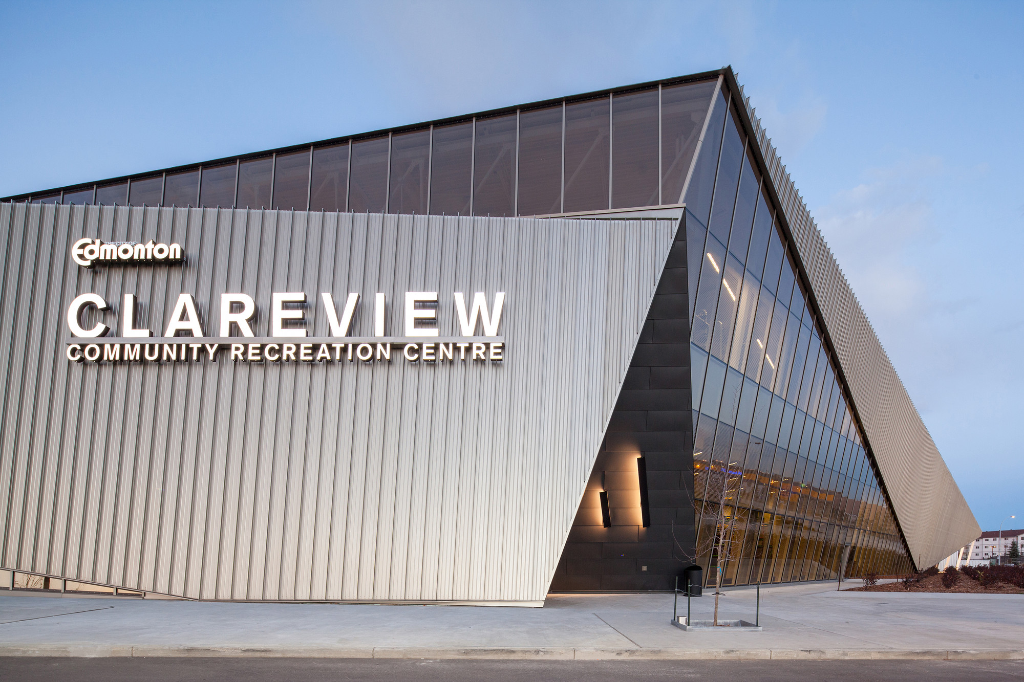 Clareview Community Recreation Centre / Teeple Architects, © Scott Norsworthy