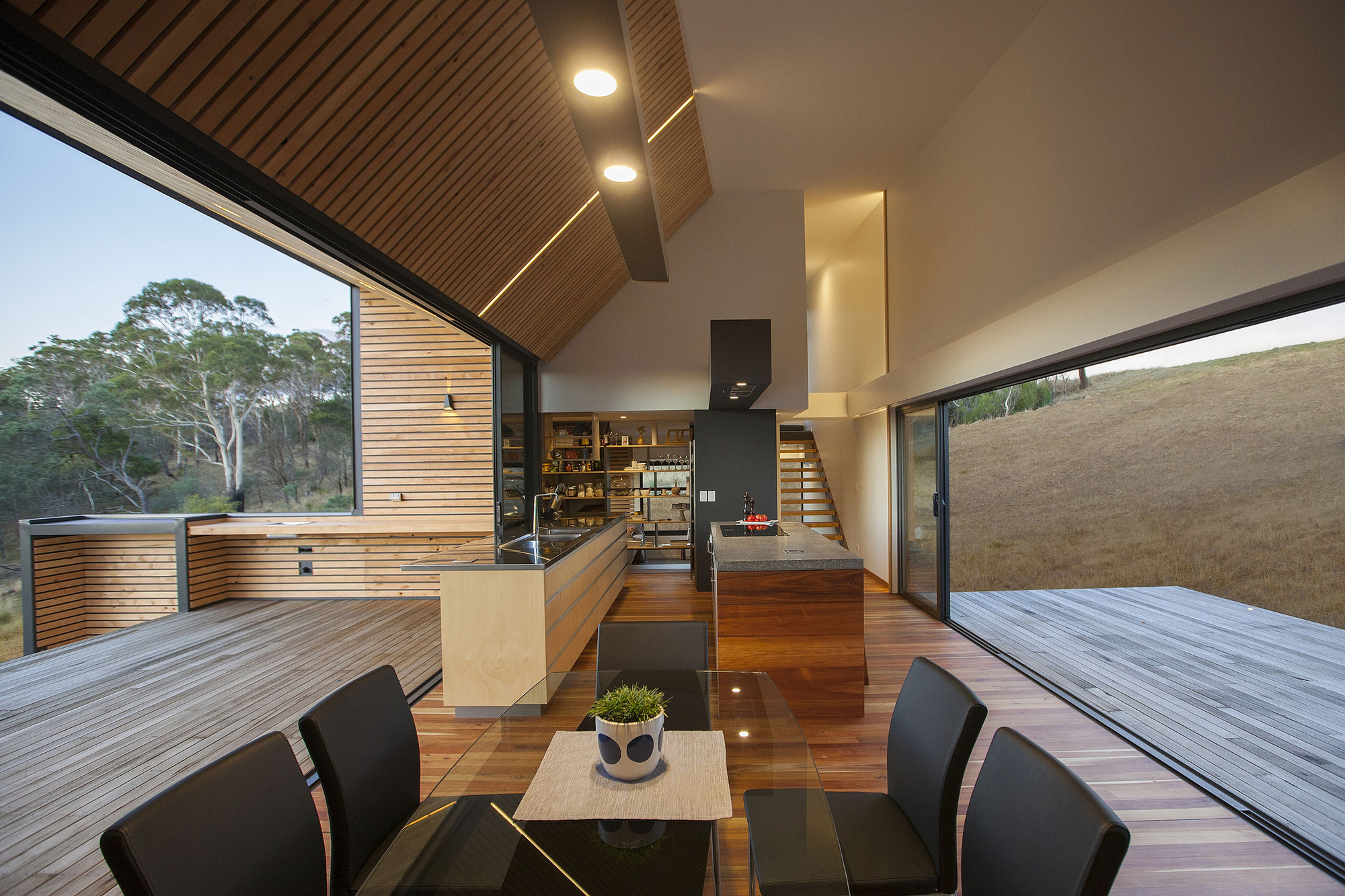 Valley House / Philip M Dingemanse | ArchDaily