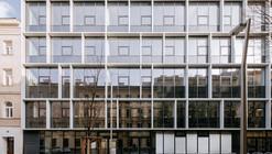 Vocational School Embelgasse  / AllesWirdGut Architektur