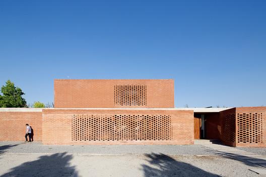 Casa Los Algarrobos / MasFernandez Arquitectos + Claudio Tapia