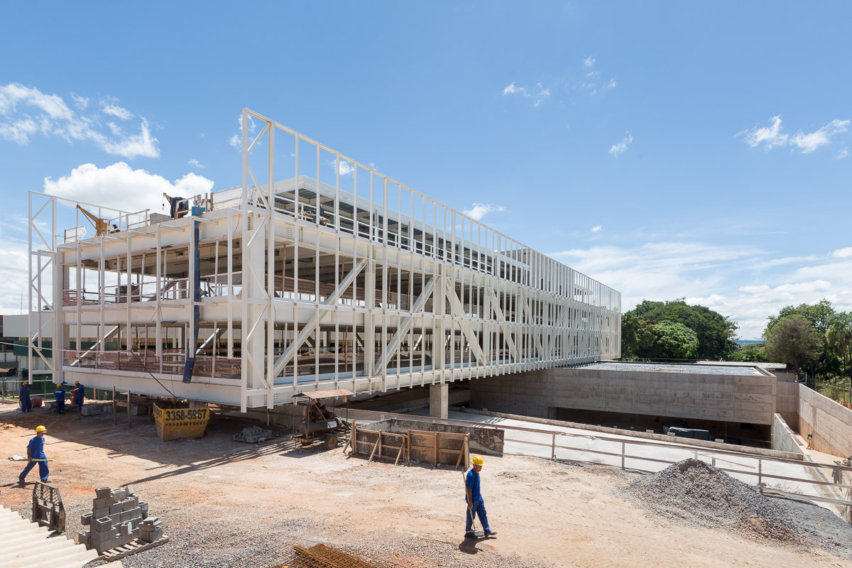 Obras da Sede da Confederação Nacional dos Municípios – CNM, por Joana França, Construção da Sede da CNM em Brasília, projetado por Mira Arquitetos. Image © Joana França