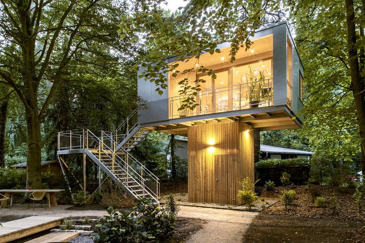 Casa na rvore urbana baumraum archdaily brasil for Hotel con casas colgadas de los arboles