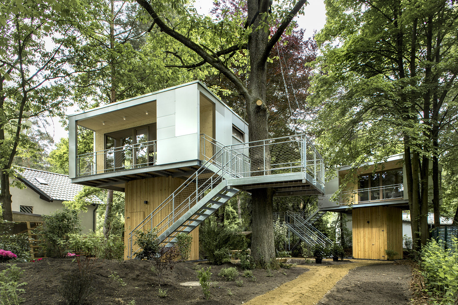 Treehouse Pictures Urban Treehouse Baumraum Archdaily