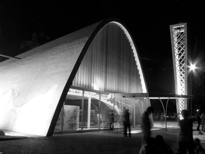 ARQBH, um guia virtual de arquitetura de Belo Horizonte, Igreja São Francisco de Assis (Igrejinha da Pampulha). © Marcelo Palhares Santiago, via ARQBH