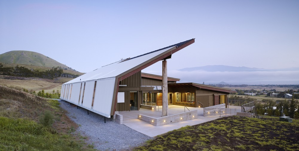 Living Building Challenge Now Fulfills LEED Energy and Water Requirements, Living Building Challenge certified: Hawaii Preparatory Academy Energy Laboratory. Image © Flansburgh Architects