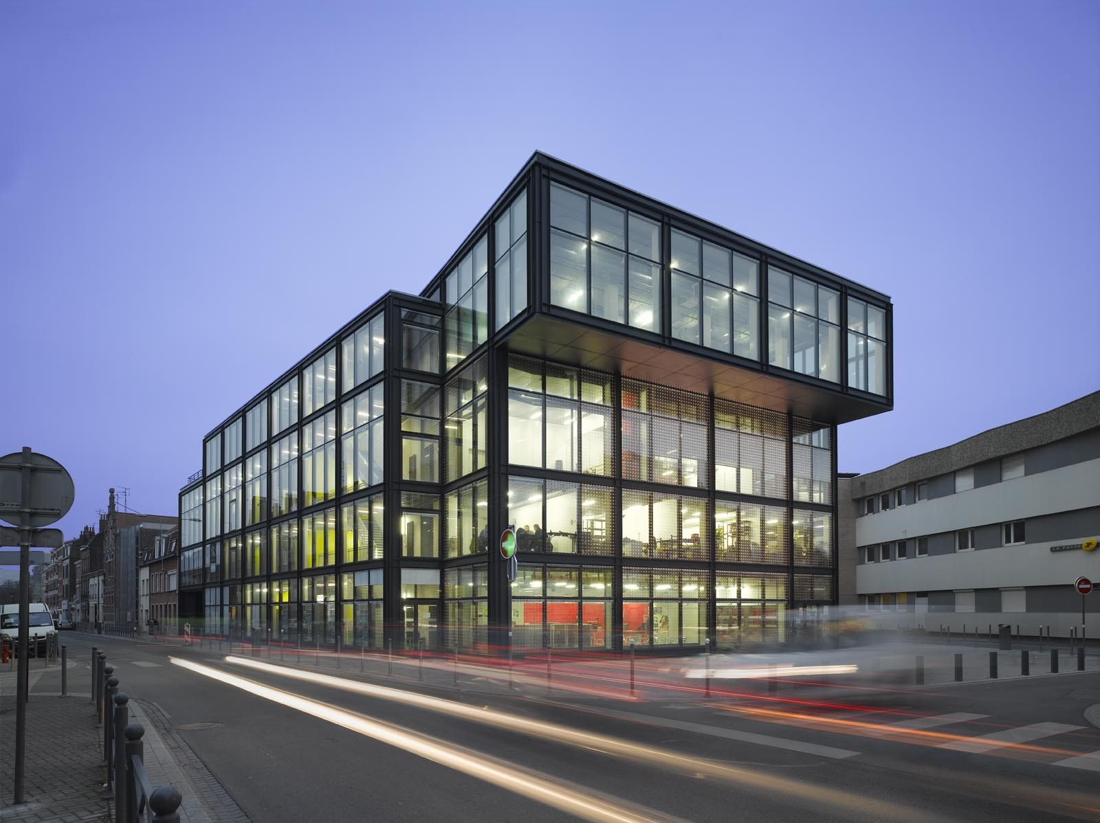 The flow atelier d architecture king kong archdaily