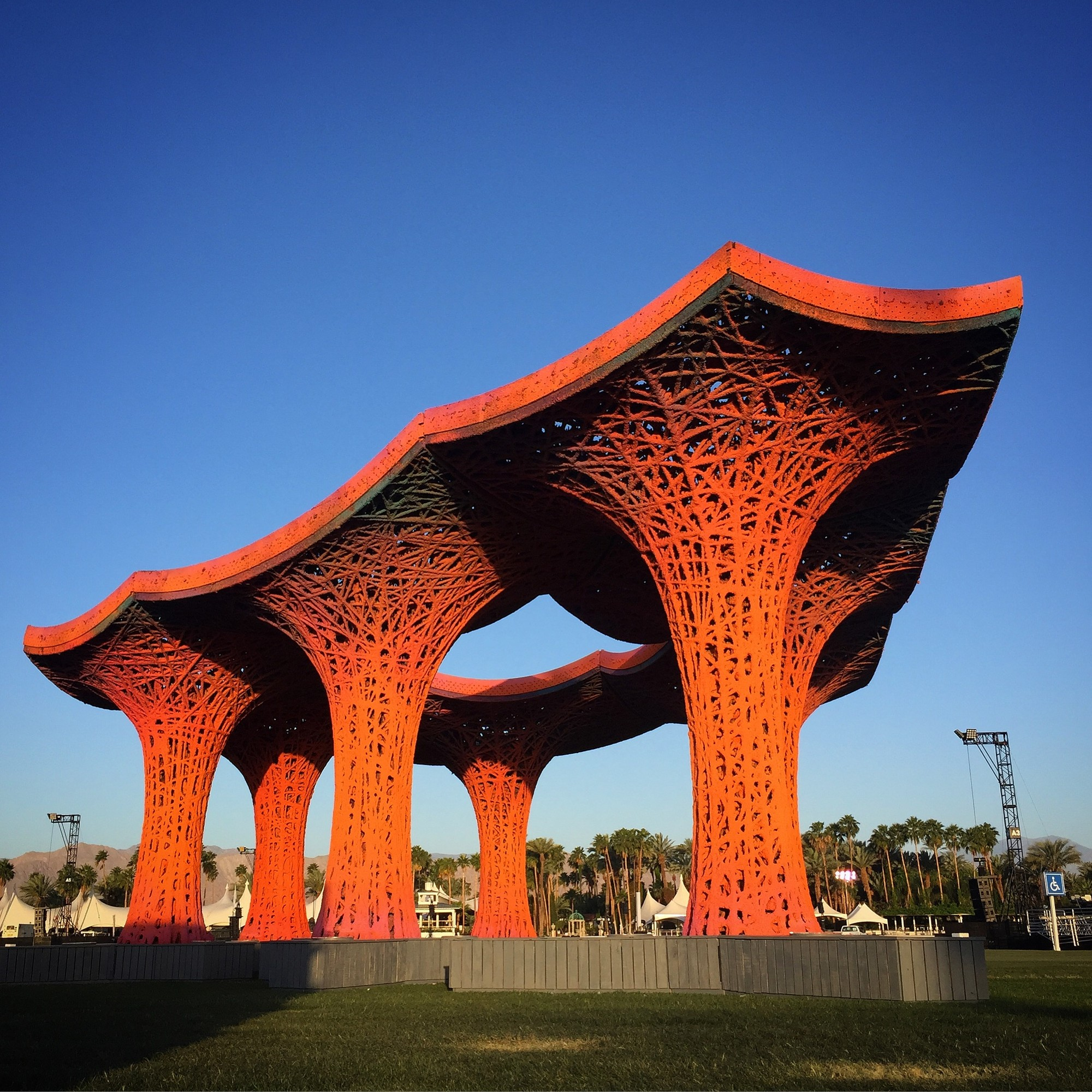 "Ball-Nogues Compostable ""Pulp Pavilion"" Brings Shade to Coachella , © Joshua White"