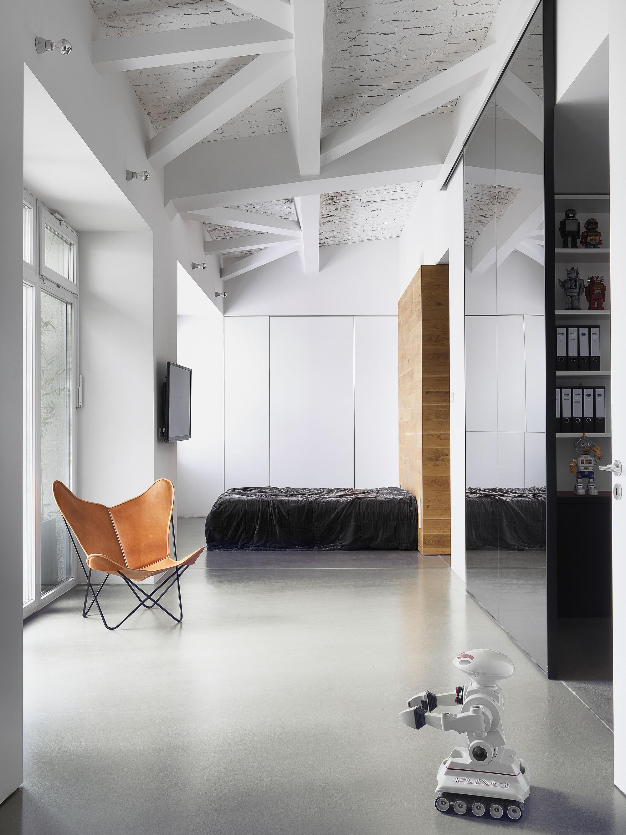 Loft de un Fotógrafo / Bruzkus Batek Architekten