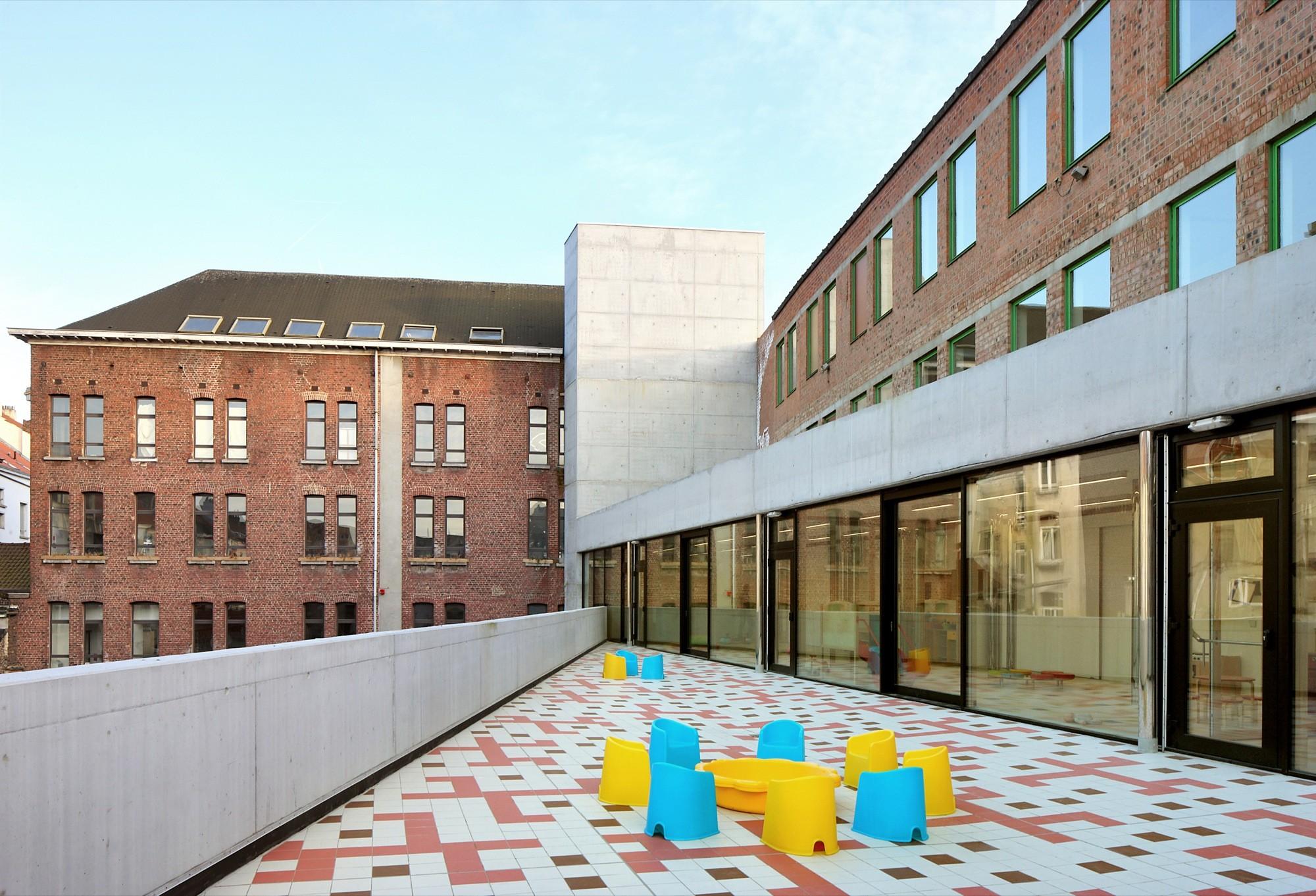Centro Diurno para Niños / Burobill + ZAmpone architectuur, © Filip Dujardin
