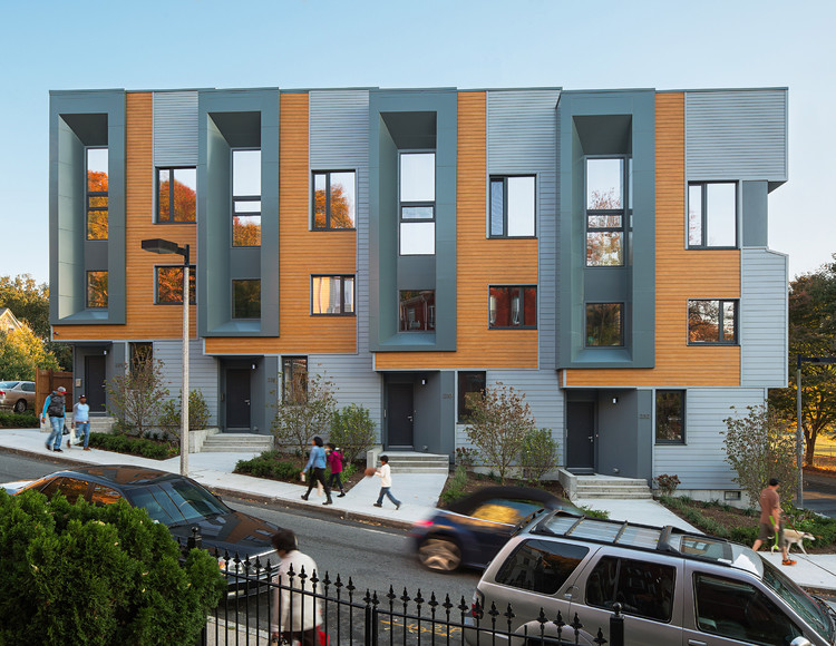 AIA Names Top 10 Most Sustainable Projects of 2015, E+ Highland Street Townhouses / Interface Studio Architects and Urbanica Design. Image © Sam Oberter