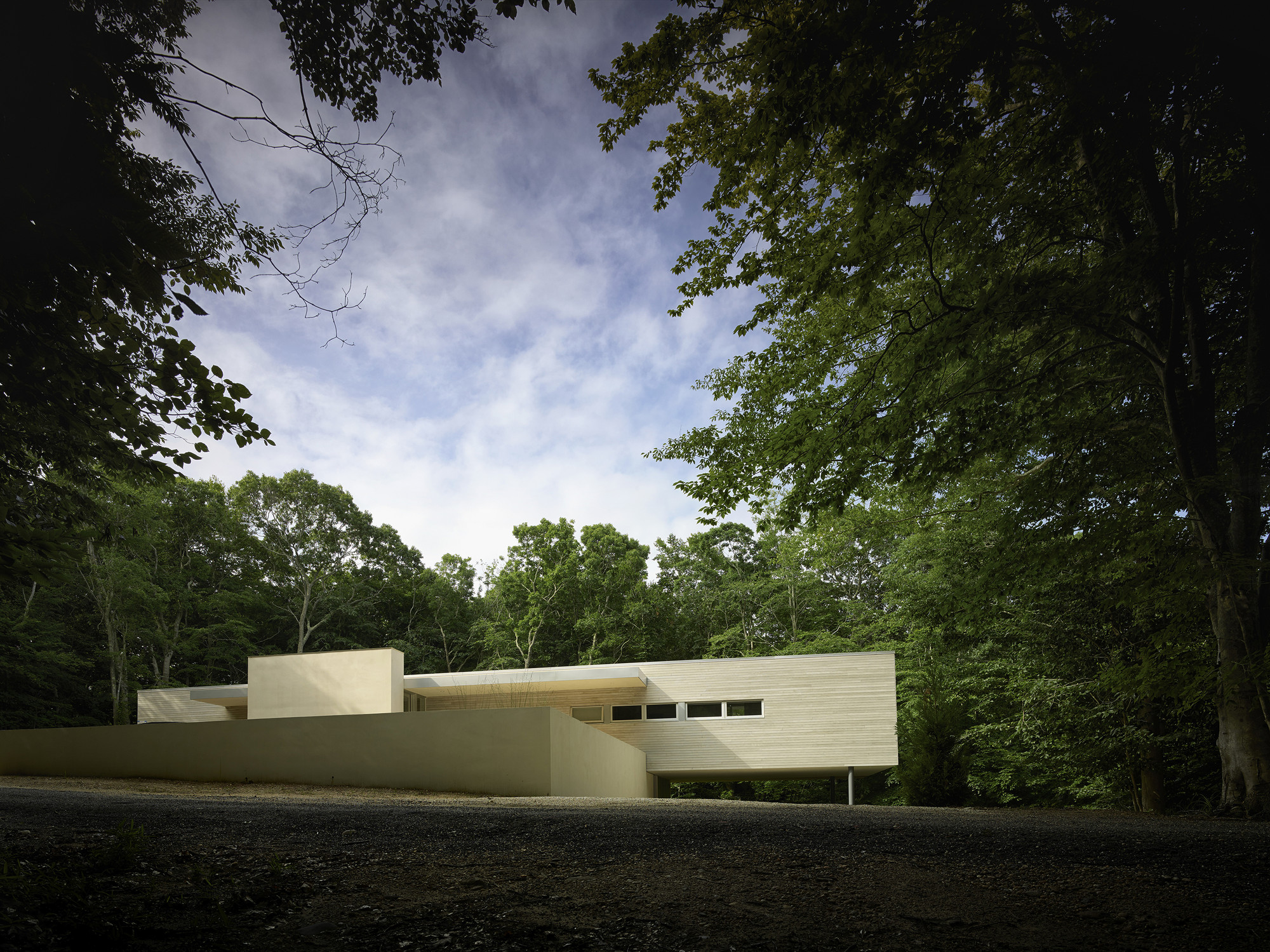 Green Woods House / Stelle Lomont Rouhani Architects, © Matthew Carbone