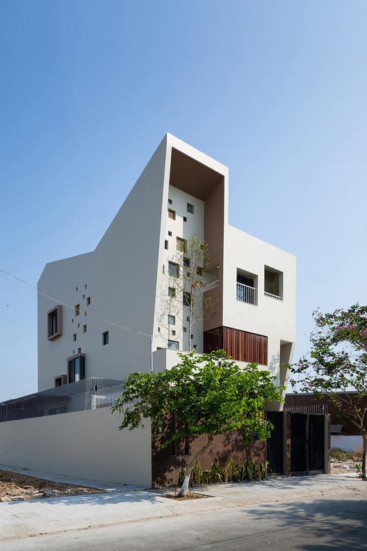 Casa 2H / Truong An architecture + 23o5Studio, © Quang Tran