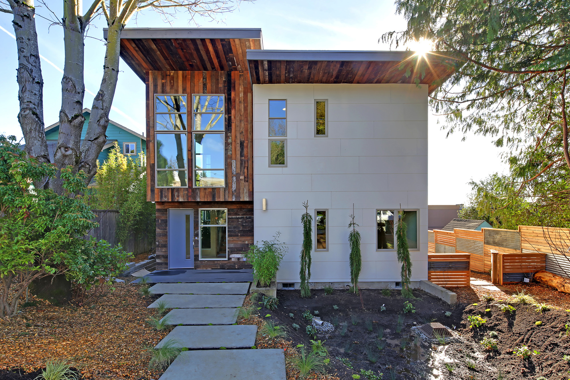 Residential Design Innovation in Downtown Kirkland / Medici Architects, © Tucker English