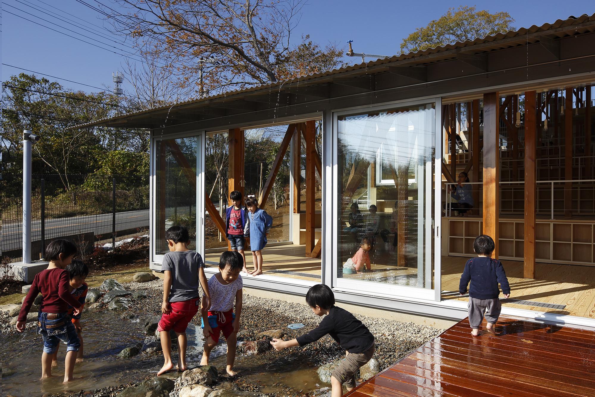 Architecture Design Workshop hakusui nursery school / yamazaki kentaro design workshop | archdaily
