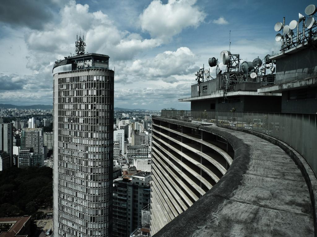 CAU/SP lança edital de patrocínio para projetos que promovam a arquitetura e o urbanismo, Edifícios Copan e Itália, São Paulo. Image ©  Felipe Lange Borges, via Flickr. CC