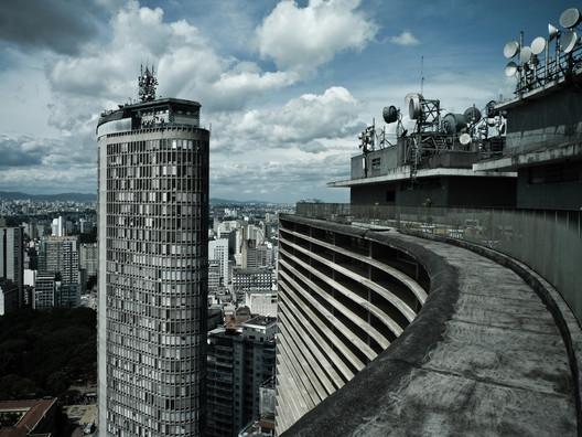 Edifícios Copan e Itália, São Paulo. Image ©  Felipe Lange Borges, via Flickr. CC