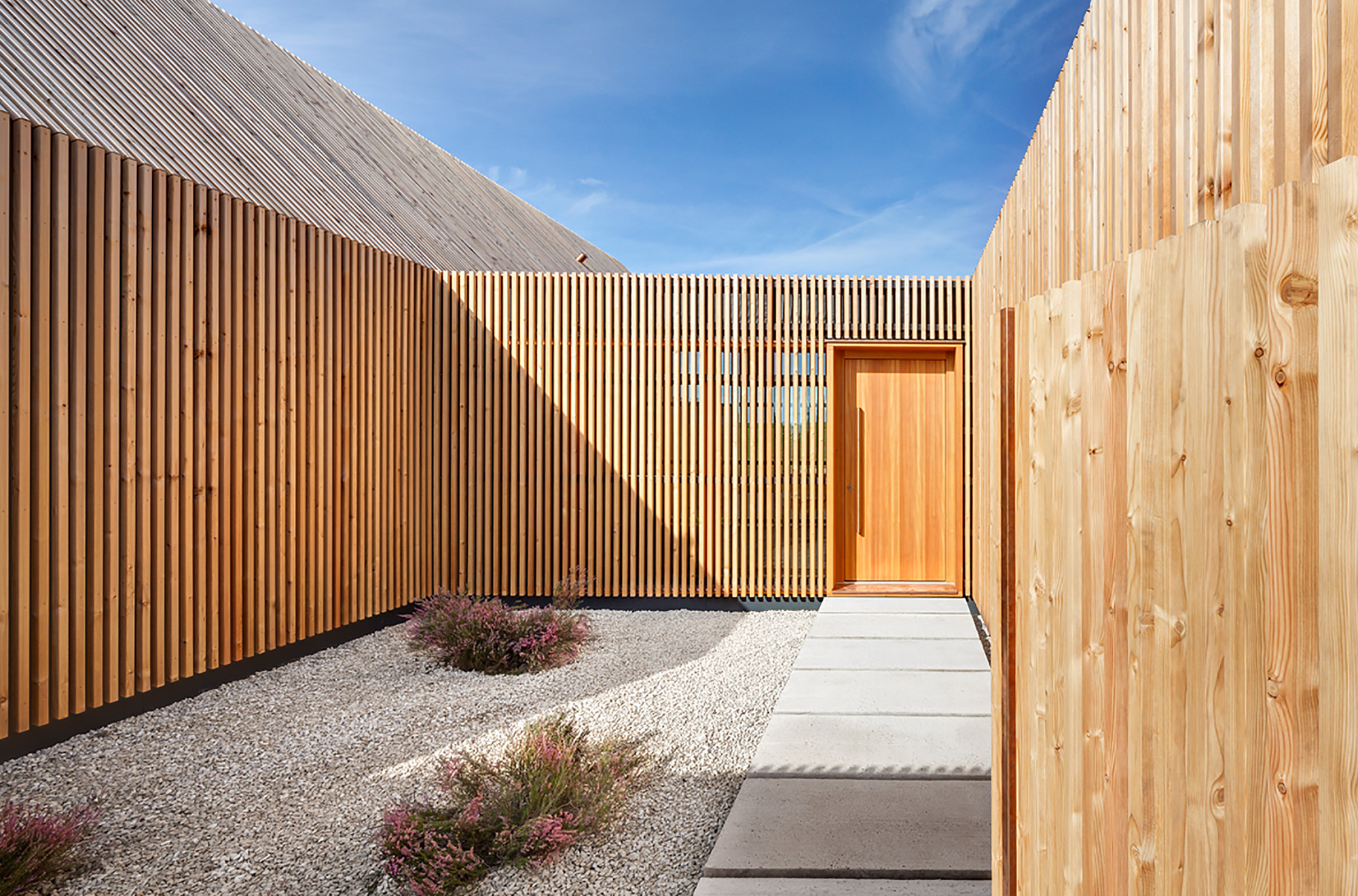 timber house k hnlein architektur archdaily. Black Bedroom Furniture Sets. Home Design Ideas