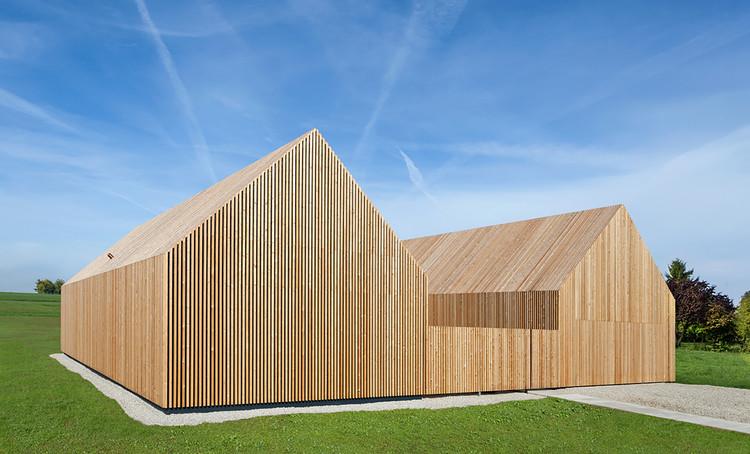 Casa de Madeira / KÜHNLEIN Architektur, Cortesia de KÜHNLEIN Architektur