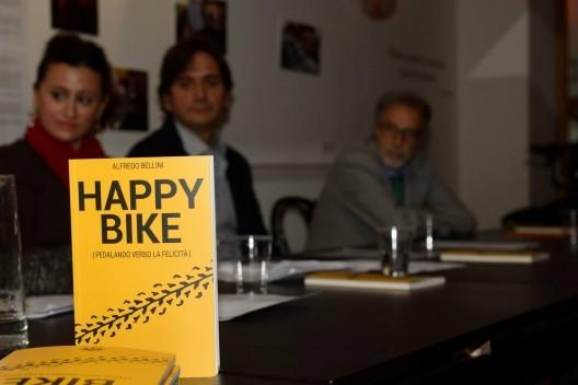 """""""Happy Bike, pedaleando hacia la felicidad"""": la bicicleta como un medio de transformación urbana"""
