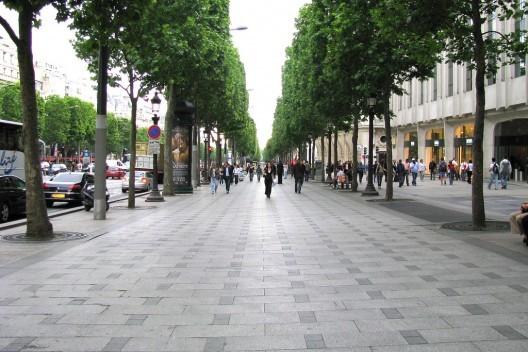 Ocho claves para diseñar mejores veredas y conseguir ciudades más activas, París, Francia © Beach650, vía Flickr. Used under <a href='https://creativecommons.org/licenses/by-sa/2.0/'>Creative Commons</a>