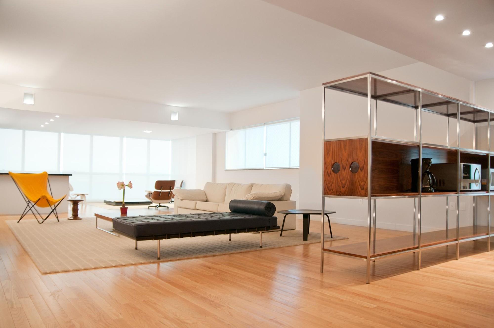 Apartamento Itapema / Mário Sampaio, © Laura Heinz