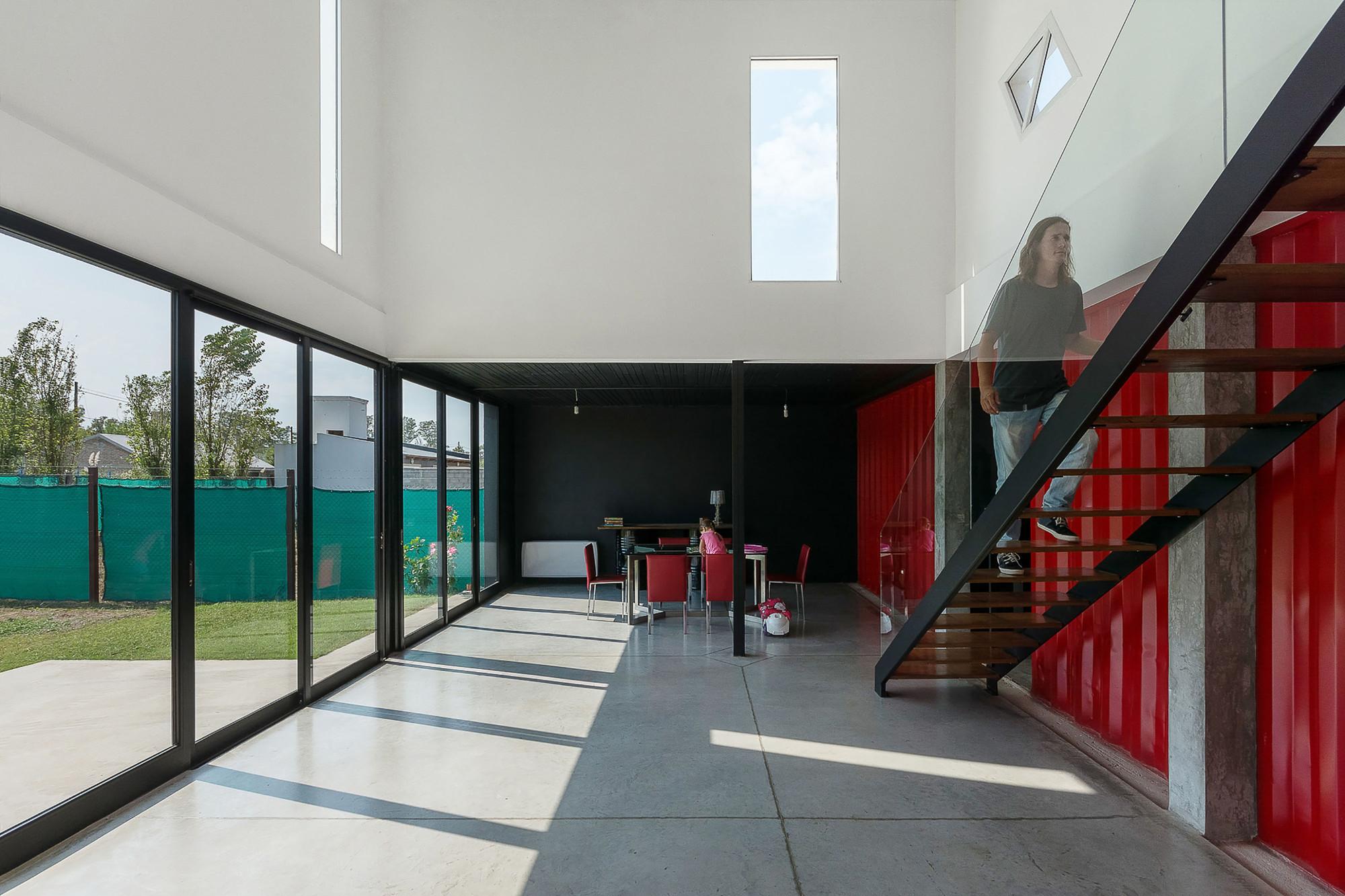 Casa Container / José Schreiber Arquitecto, © Ramiro Sosa