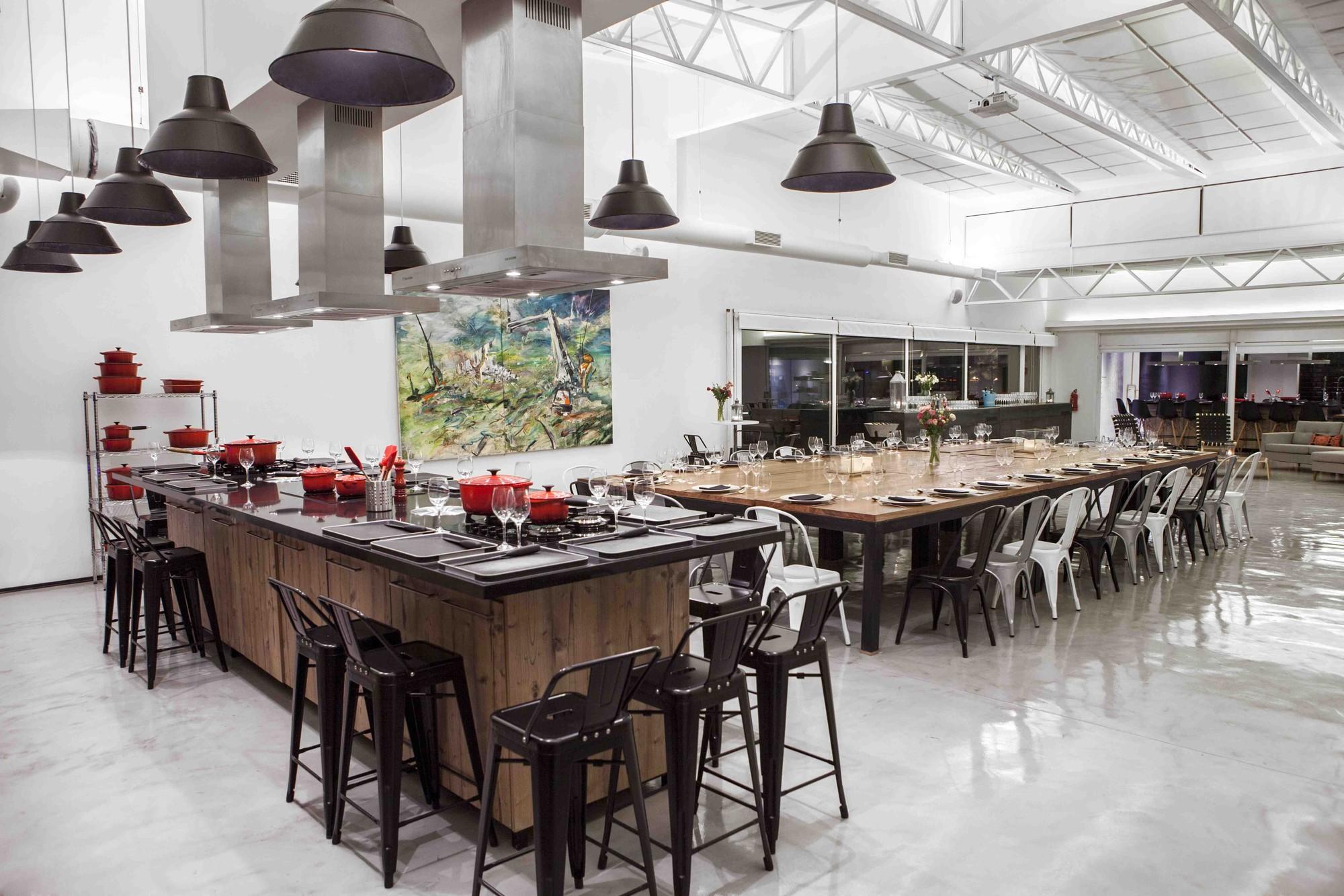 Kitchen Club - Electrolux Chile / Carlos Pascal + Apio Arquitectos, © Alfredo León Bulling