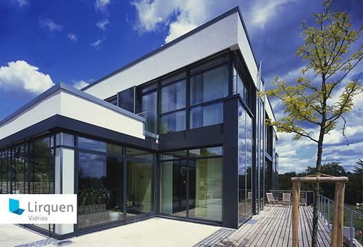 Vidrios Lirquen en Plataforma Arquitectura