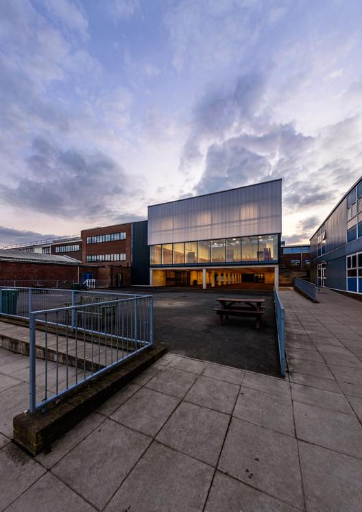 Sala de Actividades Escolares Haydon / Nick Baker Architects, © Hamish Park