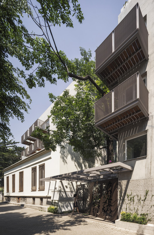 Housing Building in Mexico City / Vicente Alonso Ibarra, © Miguel de Guzmán