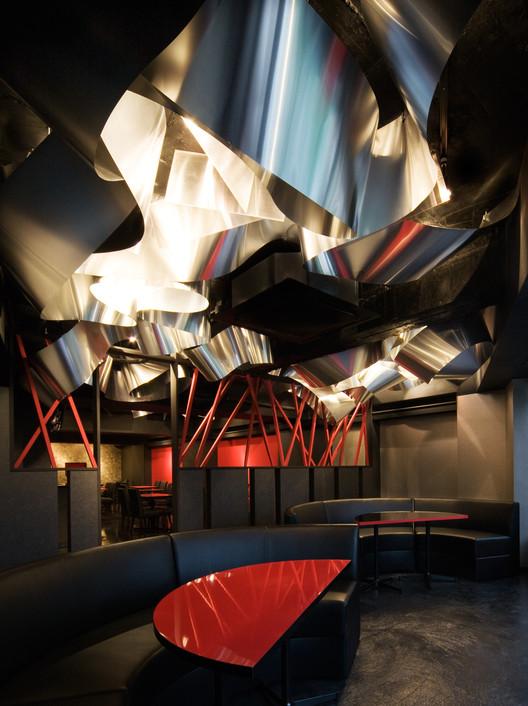 Light Cave / Moriyuki Ochiai Architects, © Tetsu Hiraga