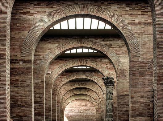 National Museum of Roman Art / Rafael Moneo. Image © Flickr user James Gordon