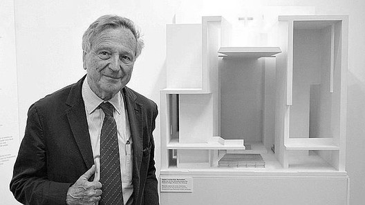 Image <a href='http://www.abc.es/20120509/cultura-arte/abci-rafael-moneo-201205091211.html'>via Diario ABC, S.L.</a>.