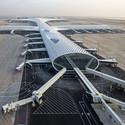 The Shenzhen Bao'an International Airport was designed to evoke the form of a manta ray. Image © Leonardo Finotti