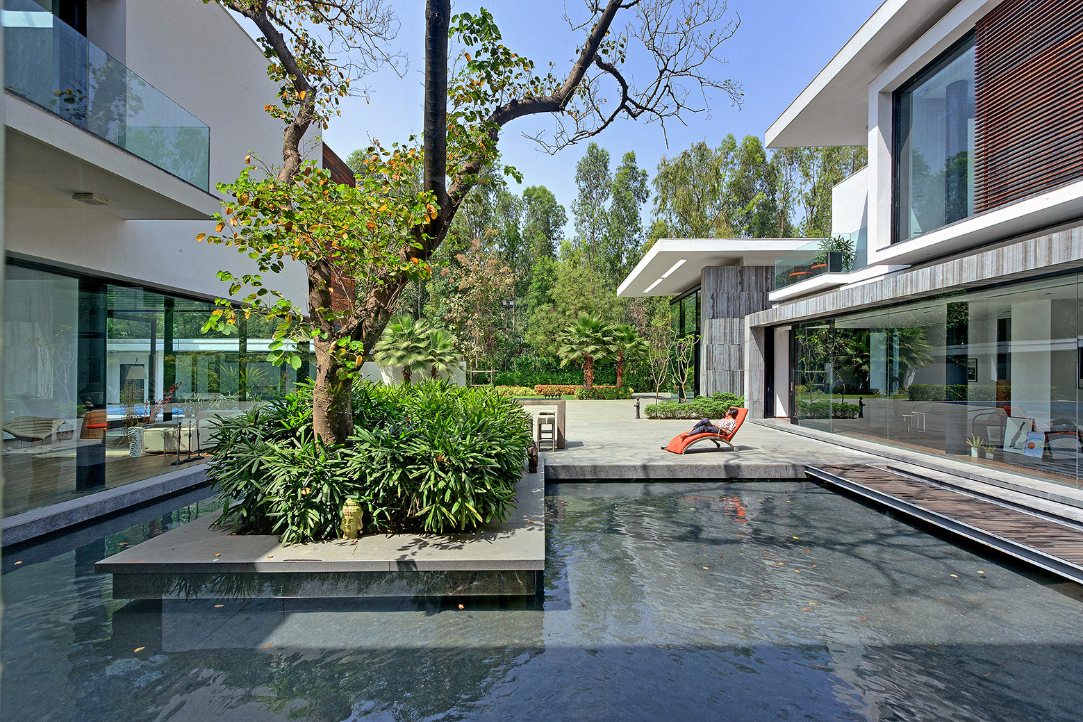Three Trees House / DADA & Partners, © Ranjan Sharma /  Lightzone India
